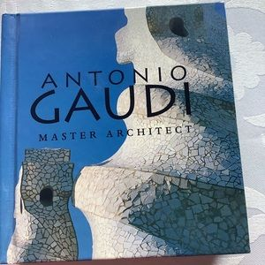 Other - 💜3/$30 Antonio Gaudi Master Architect